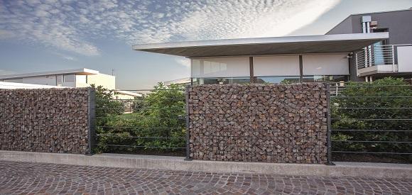 Recinzione residenziali design for Ville moderne esterni