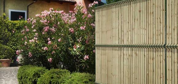 Recinzioni oscurate per privacy e bellezza giardino - Recinzioni privacy giardino ...